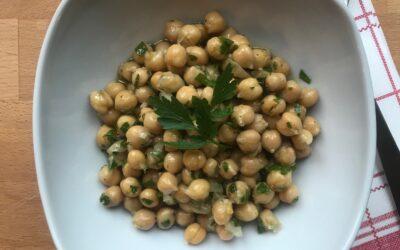 Kichererbsen-Salat – lecker & schnell zubereitet